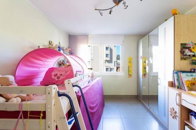 Halbhochbett bzw. Mittelhochbett kleines Kinderzimmer