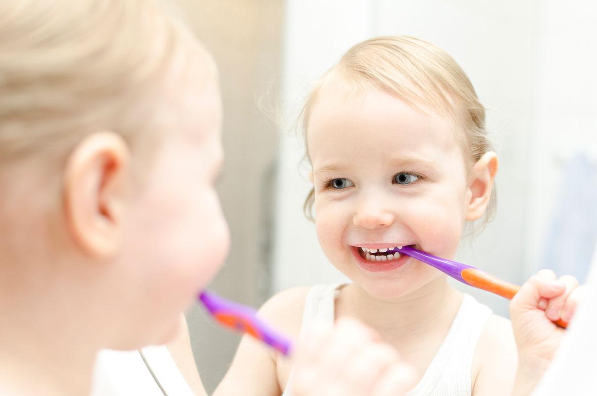 Kinderzahnpasta-mit-oder-ohne-Fluorid
