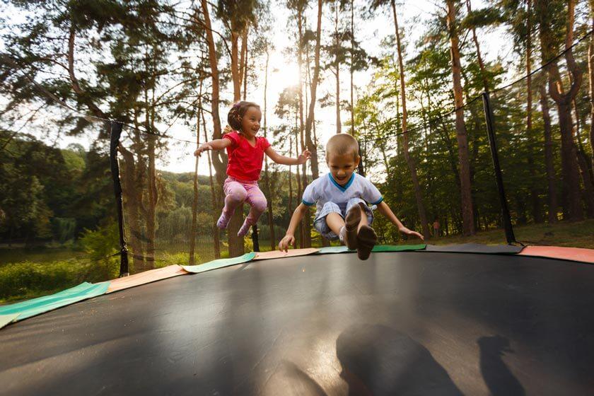 Kindertrampolin Test 2020 Den Garten Von Oben Entdecken Eltern Kind Tipps