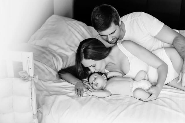 Elternbett oder in eigene Kinderbetten schlafen?